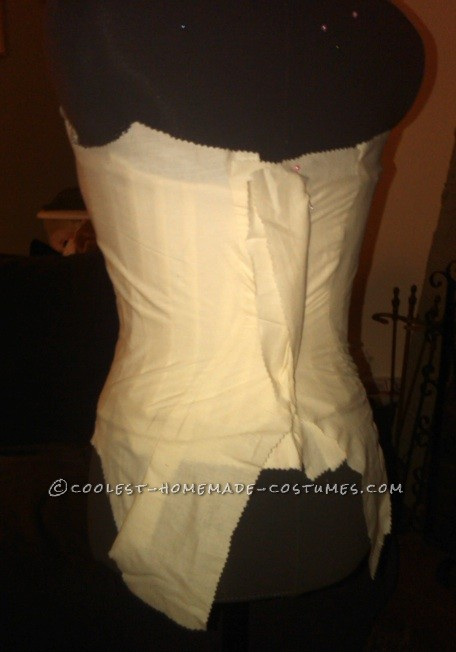 Sandwiching the stays within the bodice lining