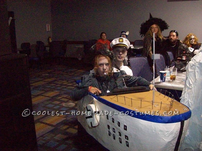 Awesome Homemade Titanic Couple Costume
