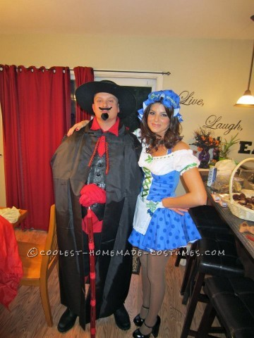 Best Candy Land Group Halloween Costume: Candy Land Halloween 2012</p><p>My friends and I were looking for a great group costume idea. We came across a childhood favorite game, Candy Land! T