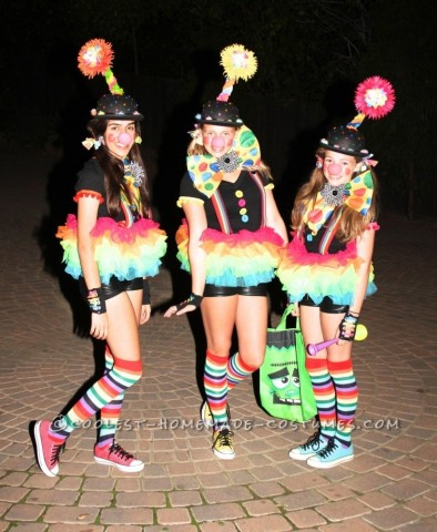 Cute and Original Girls Group Costume: Bringing The Clown Back