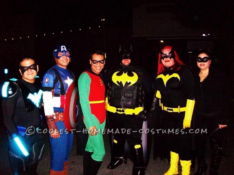 Caped-Crusader Batman and Batgirl Couple Halloween Costumes - 5