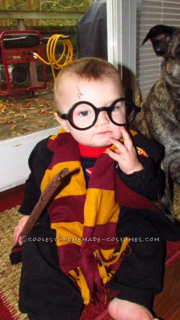 Cutest Harry Potter Baby Homemade Halloween Costume: I knew I wanted to make my 8 month old baby boy Harry Potter this year. I didn't want to buy the costume-I wanted to make it more personal. It started