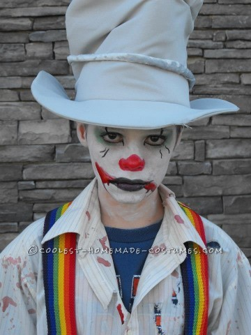 Easy Last-Minute Diabolical Clown Costume for a Tween