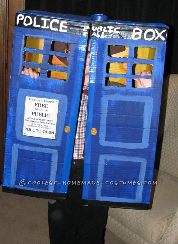 Awesome Father and Son Costume: Doctor Who in his TARDIS and Dalek