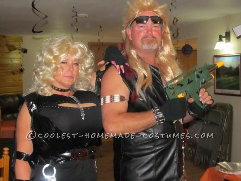 Supersized Beth and Dog the Bounty Hunter Couple Halloween Costume