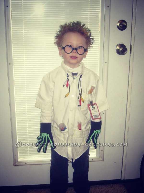 """My four year old son is a big fan of science experiments and discovery, but unfortunately, there aren\'t very many \""""mad scientist\"""" costumes o"""