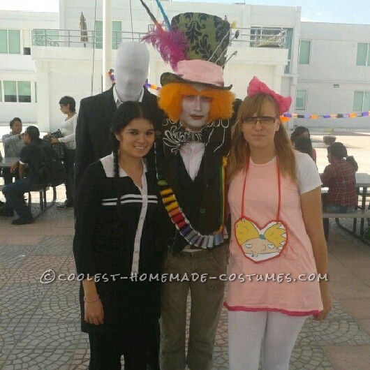 In my university (in Mexico), my classmates and me have a tradition of wearing costumes to school each Halloween.This year, some kids from a very m