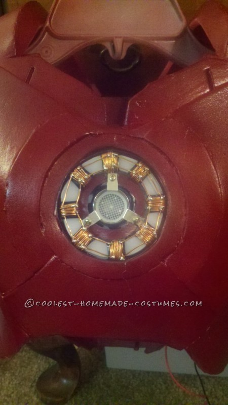close up of the arc reactor before the cover was on