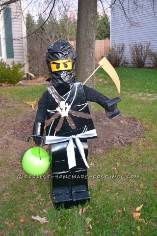 Homemade LEGO Ninjago Halloween Costume for a Boy: This year my son is REALLY into Ninjago…Lego Ninja guys. And he requested to be a Lego Ninja for Halloween this year. Well, after a bit of searching