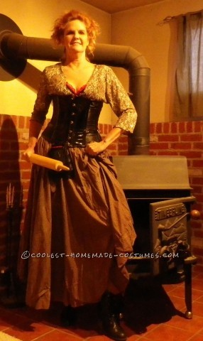 I had so much fun putting together the Mrs. Lovett costume. I checked several photos, watched the movie again (3 times for mannerisms) and chec