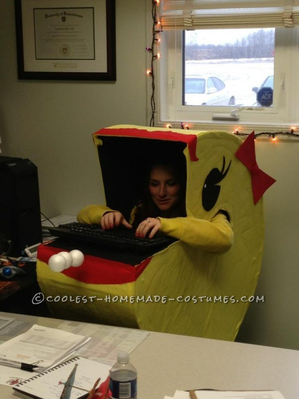 Original Homemade Halloween Costume: Ms. Pacman Comes Alive!