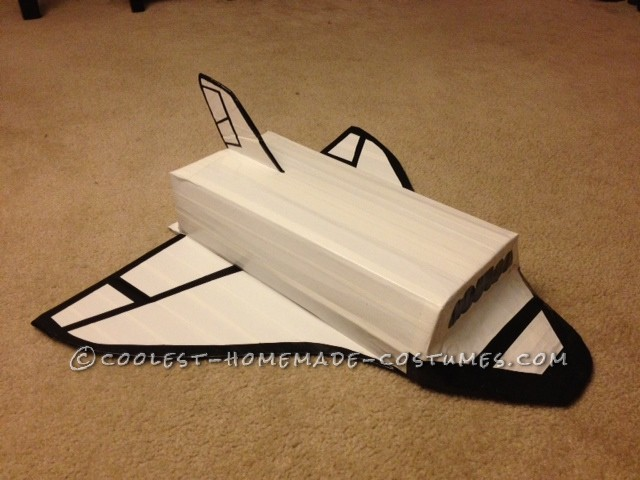 Cardboard Space Shuttle for Halloween - Pics about space