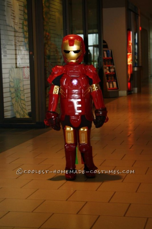My 5 year old son Brayden was dying to be the coolest Iron Man this year. My husband and I brainstormed over it while looking at pictures onlin