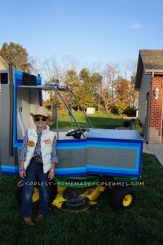 Ridiculously Awesome Costume from Smokey and the Bandit: The Snowman and Bandit: Bandit and his Trans Am AND the Snowman and his Semi Truck