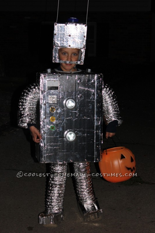 Coolest Homemade Child Robot Costume