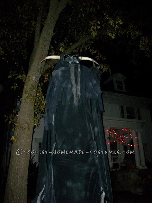 The Beast, Wraith, Soulsucker Costume on Stilts - 3