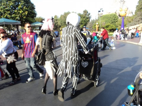 SO WE WERE GOING TO DISNEYLAND FOR HALLOWEEN NIGHT AND WE WANTED TO MAKEHISSTROLLERINTOSOMETHING SO WE DECIDED ON THE NIGHMAREBEFORECHRISTMAS A