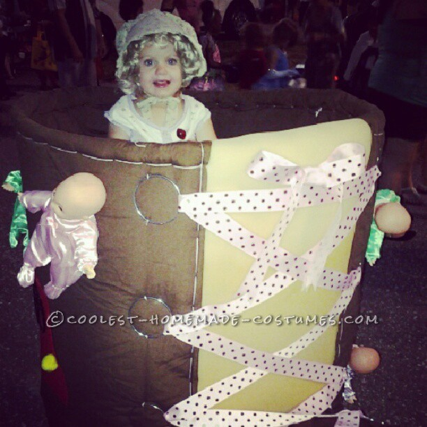 Original Stroller Costume Idea: The Old Woman who Lived in a Shoe - 2