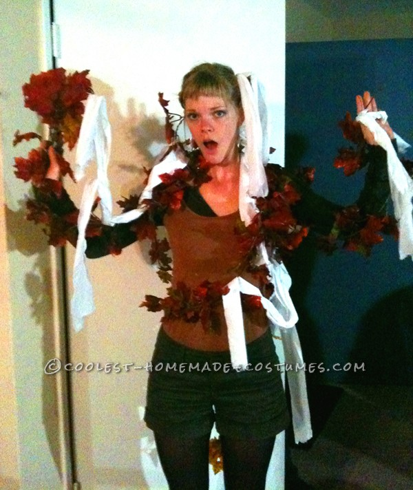 Cool Toilet-Papered Tree Costume