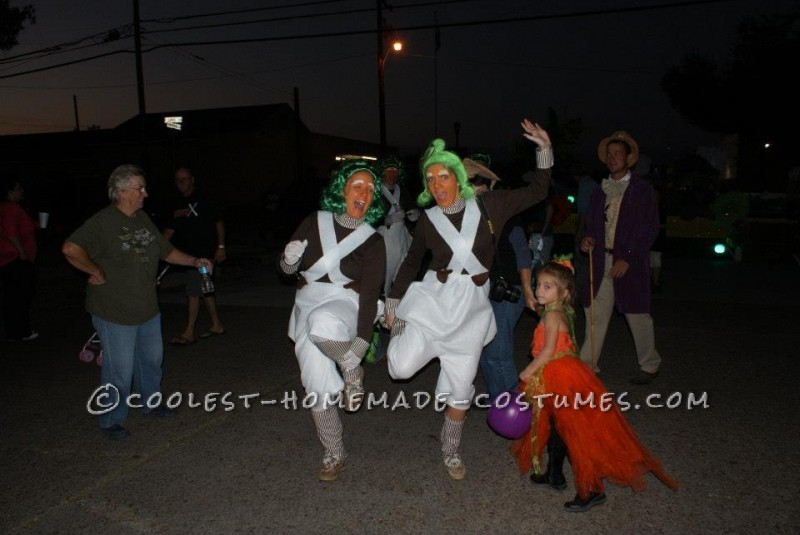 Cool Willy Wonka and the Oompa Loompas Group Halloween Costume - 3