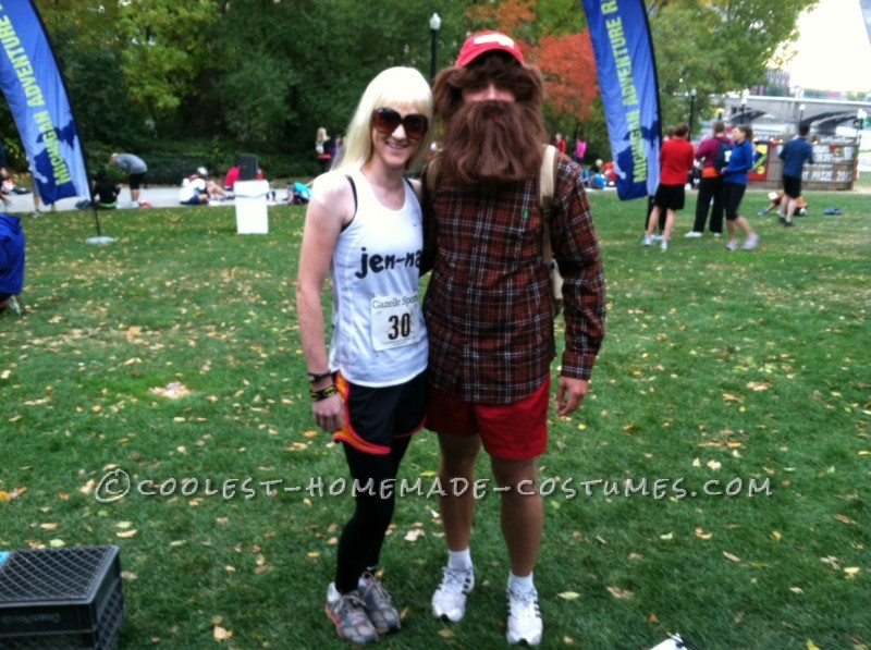 Cool Forrest Gump and Jen-nay Couple Costume