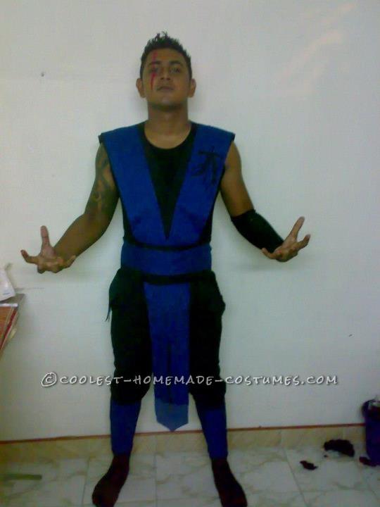 Cool Unmasked Subzero Costume
