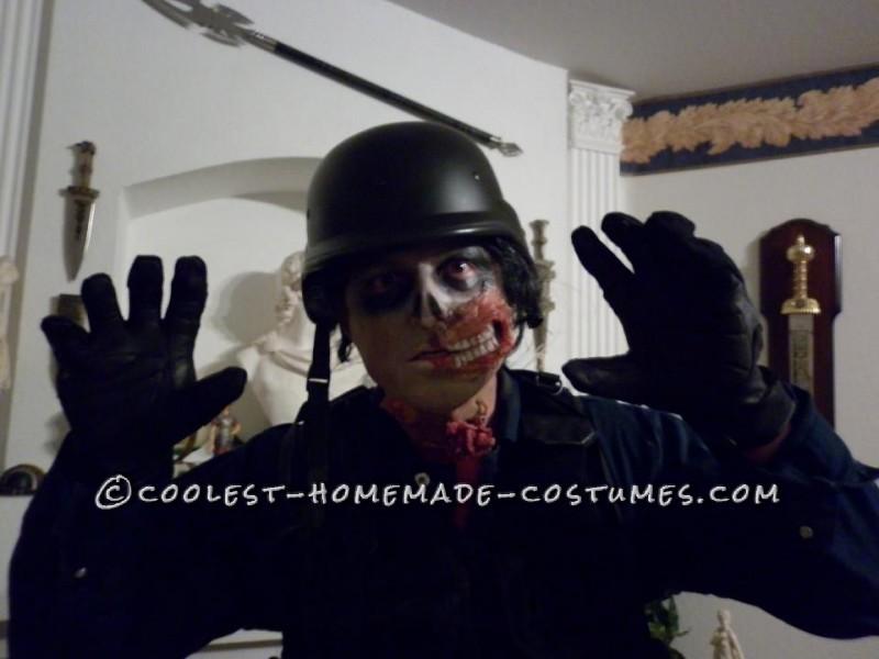 Scary Open-Head Zombie Halloween Costume - 5