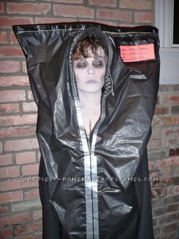 Creepy Corpse in a Body Bag and Coroner Couple Costume - 3