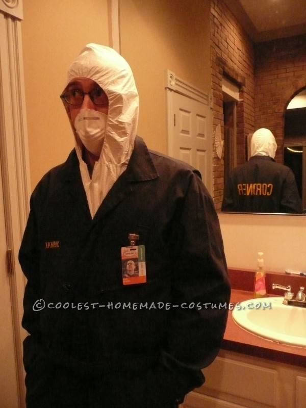 Creepy Corpse in a Body Bag and Coroner Couple Costume - 4