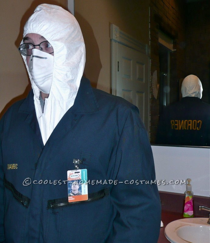 Creepy Corpse in a Body Bag and Coroner Couple Costume - 5