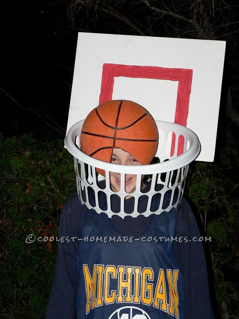 Coolest Last-Minute Basketball and Net Costume