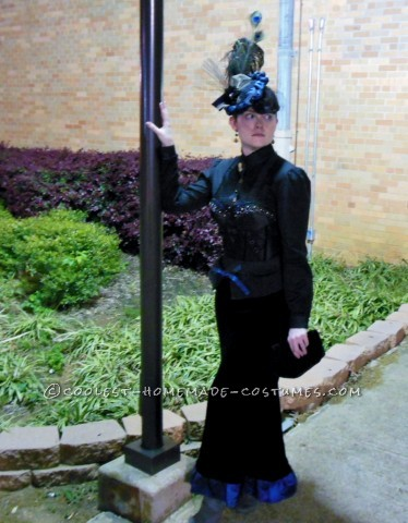Coolest Classy Victorian Parisian Lady Costume for Women
