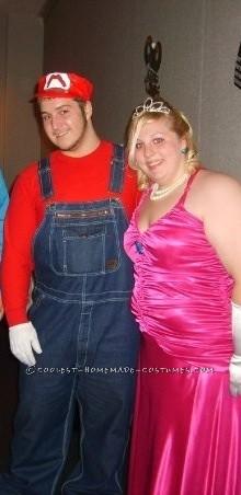 Easy Mario and Princess Peach Couple Halloween Costume