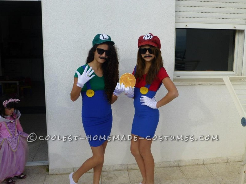 Simple Mario and Luigi Couple Costume
