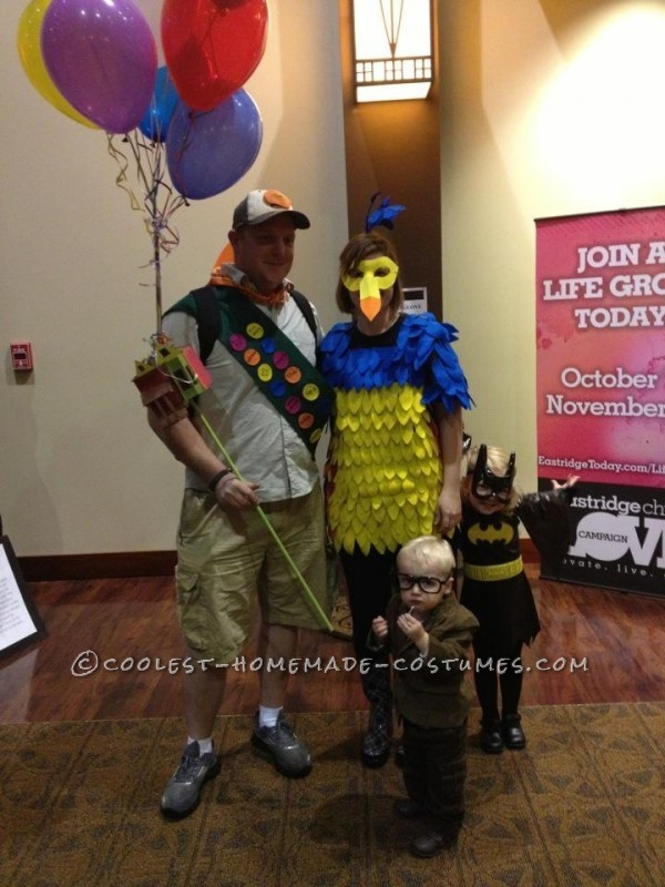 Coolest Homemade Up Family Costume - 2