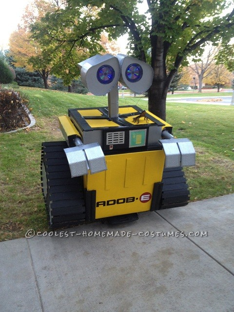 Coolest Homemade Wall-E Halloween Costume