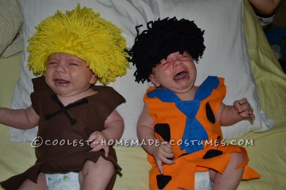 707f6609b86d4 Hilarious Fred and Barney Costumes for Twin Babies