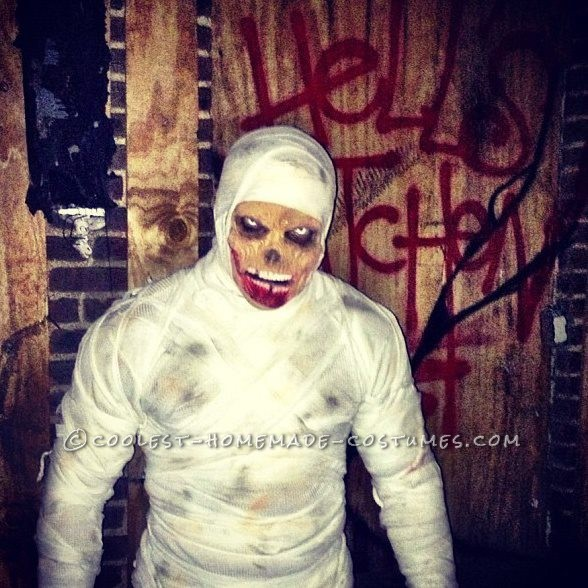 Easy Mummy Costume for Halloween