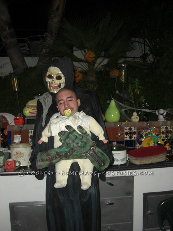 Funny Homemade Illusion Costume: Alien Baby Abductor - 1