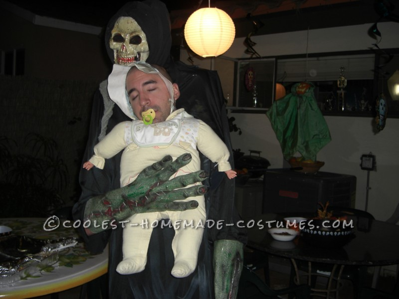 Funny Homemade Illusion Costume: Alien Baby Abductor - 2