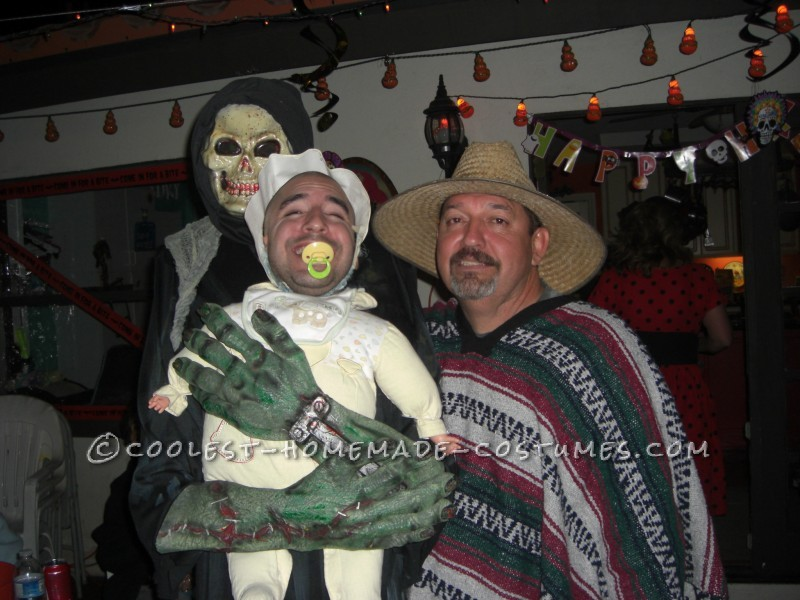 Funny Homemade Illusion Costume: Alien Baby Abductor