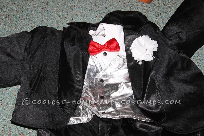 The magician suit with carnation