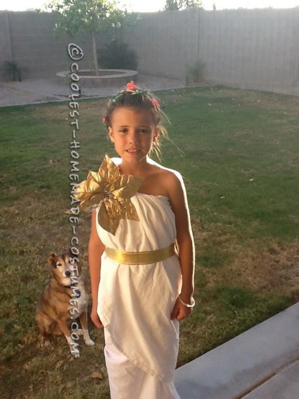 Easy Medusa Costume for a Girl