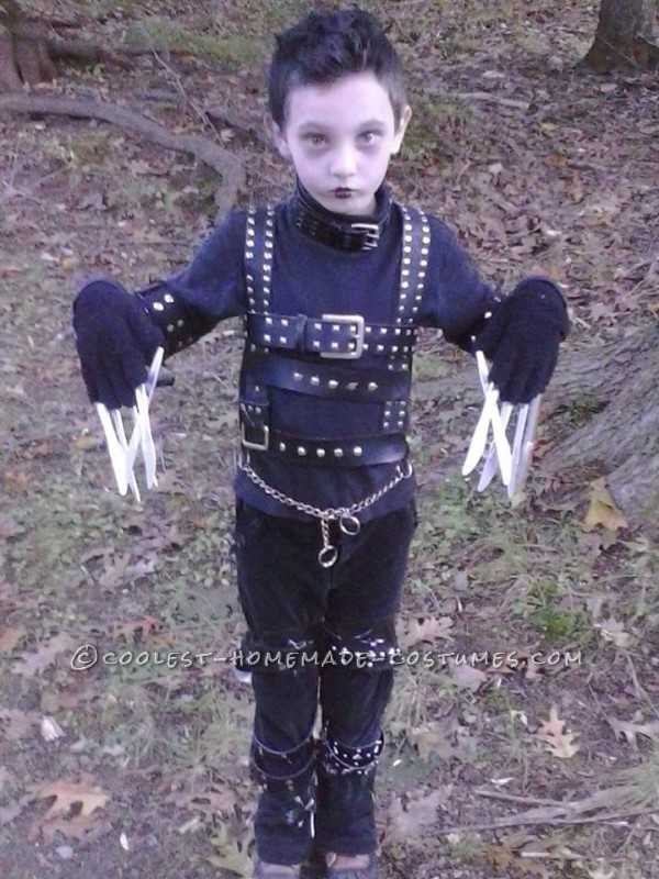 Cool Edward Scissorhands Homemade Costume Idea for a Boy