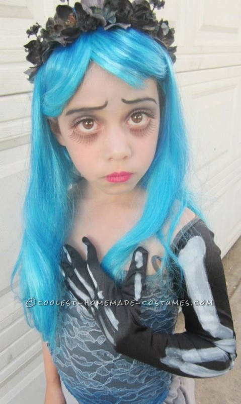 Homemade Corpse Bride Costume for a Girl - 1