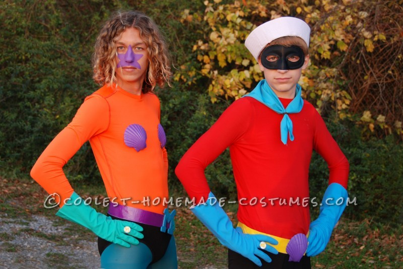 Funny Homemade Couple Costume: Mermaid Man and Barnacle Boy Unite!