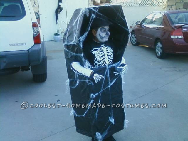 Prize-Winning Walking Skeleton in Coffin DIY Costume