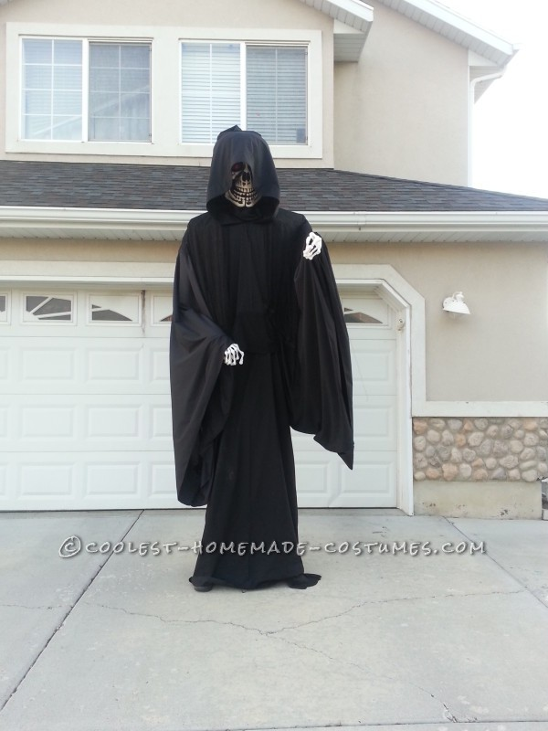 Awesome Homemade Ten Foot Reaper Costume