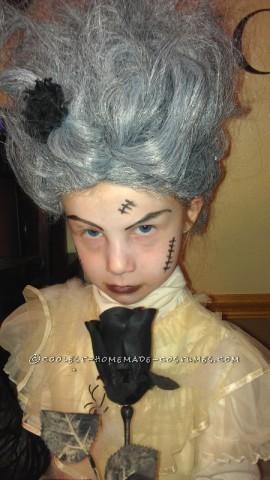 Last-Minute $5 Bride of Frankenstein Costume for a Girl