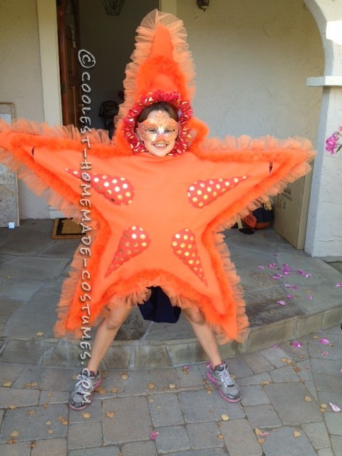 Awesome DIY Costume for Two Girls: Two Sea Stars - 1